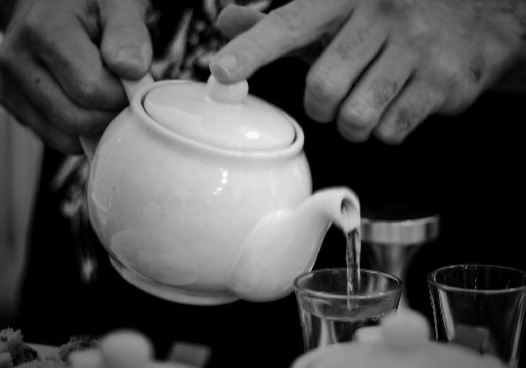 Tea tasting BandW
